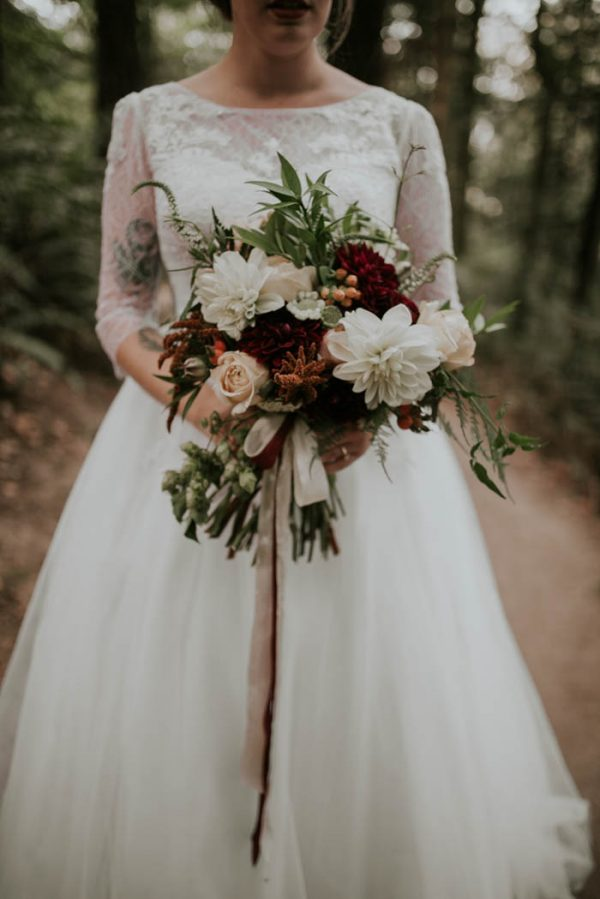 romantic-autumnal-portland-wedding-at-union-pine-olivia-strohm-photography-10