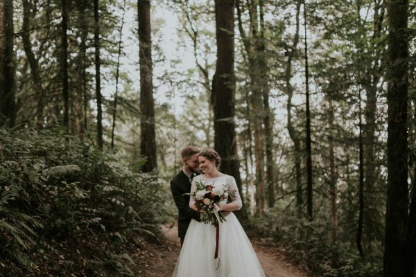 romantic-autumnal-portland-wedding-at-union-pine-olivia-strohm-photography-12