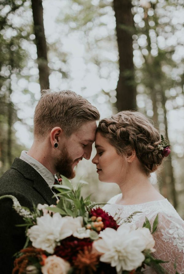 romantic-autumnal-portland-wedding-at-union-pine-olivia-strohm-photography-13
