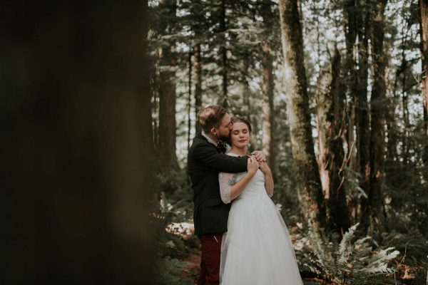 romantic-autumnal-portland-wedding-at-union-pine-olivia-strohm-photography-16
