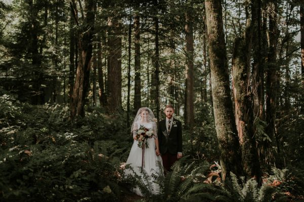romantic-autumnal-portland-wedding-at-union-pine-olivia-strohm-photography-18