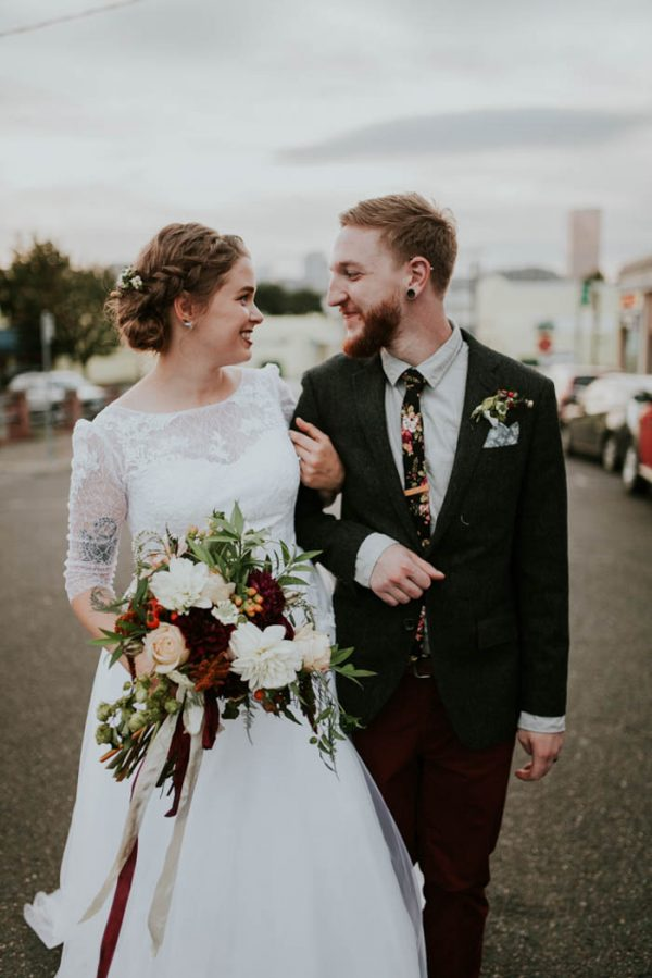 romantic-autumnal-portland-wedding-at-union-pine-olivia-strohm-photography-35
