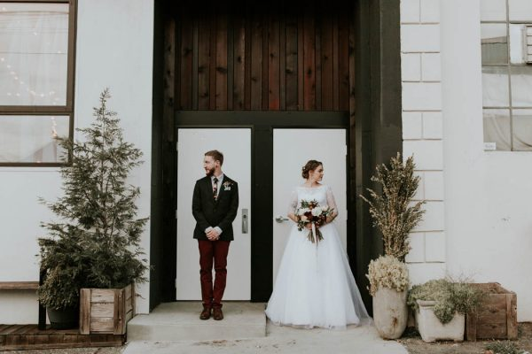 romantic-autumnal-portland-wedding-at-union-pine-olivia-strohm-photography-39