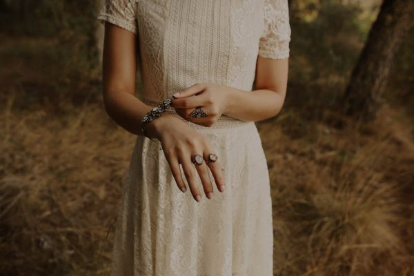 rural-spanish-elopement-in-the-woods-oscar-castro-12