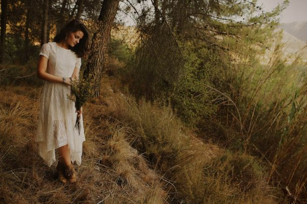 rural-spanish-elopement-in-the-woods-oscar-castro-13