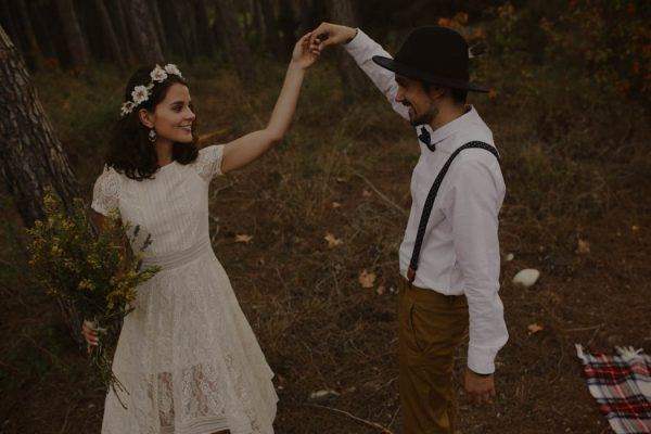 rural-spanish-elopement-in-the-woods-oscar-castro-26