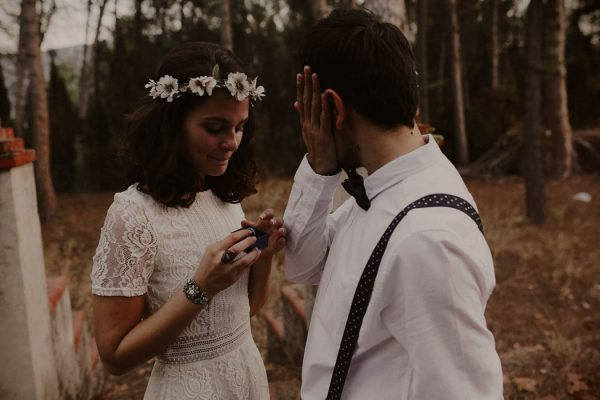 rural-spanish-elopement-in-the-woods-oscar-castro-38