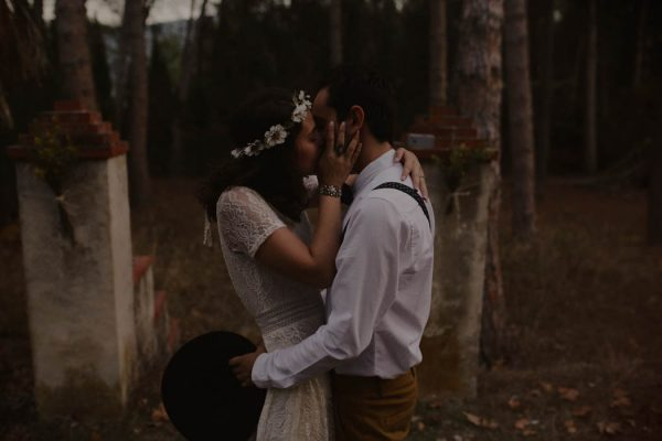 rural-spanish-elopement-in-the-woods-oscar-castro-41