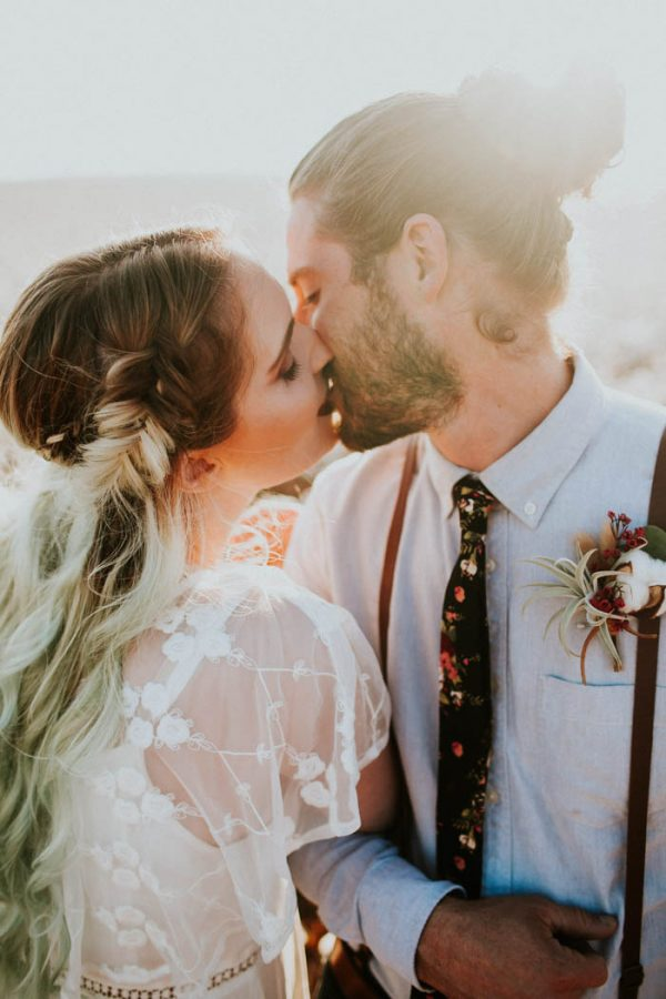 this-alternative-elopement-inspiration-in-a-cotton-field-is-perfect-for-fall-emily-nicole-photo-10