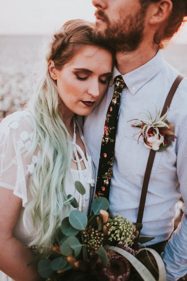 this-alternative-elopement-inspiration-in-a-cotton-field-is-perfect-for-fall-emily-nicole-photo-43