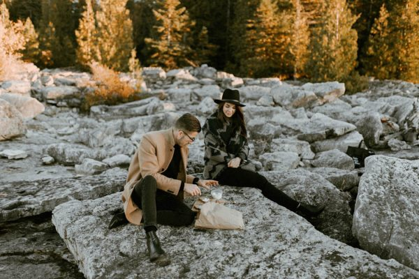 this-blogger-couple-celebrated-their-engagement-in-bruce-peninsula-national-park-inna-yasinska-photography-18