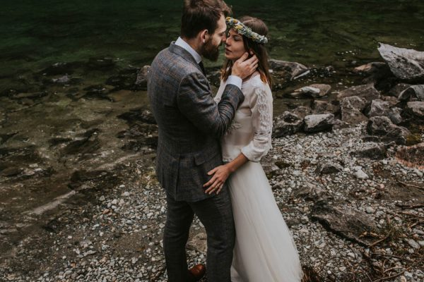 this-norweigian-post-wedding-shoot-at-aursjovegen-road-will-take-your-breath-away-joanna-jaskolska-fotografia