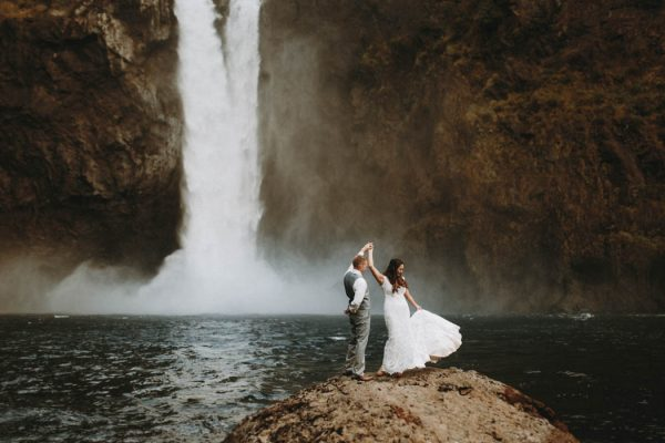 travel-inspired-wedding-in-the-woods-of-north-bend-wa-anni-graham-photography-10