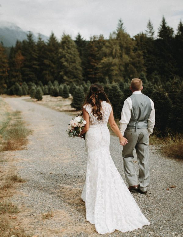 travel-inspired-wedding-in-the-woods-of-north-bend-wa-anni-graham-photography-21
