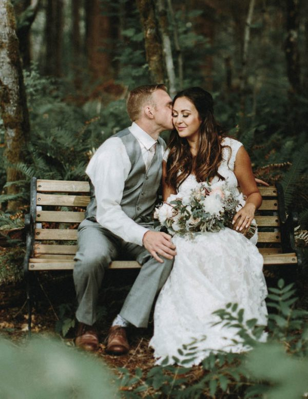 travel-inspired-wedding-in-the-woods-of-north-bend-wa-anni-graham-photography-26