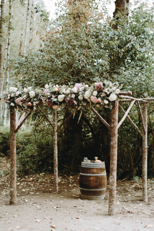 travel-inspired-wedding-in-the-woods-of-north-bend-wa-anni-graham-photography-28