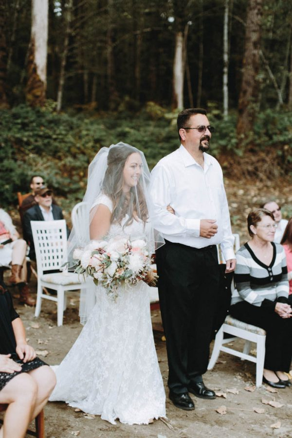 travel-inspired-wedding-in-the-woods-of-north-bend-wa-anni-graham-photography-30