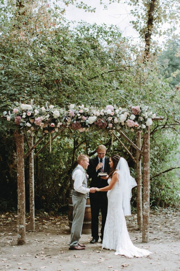 travel-inspired-wedding-in-the-woods-of-north-bend-wa-anni-graham-photography-32