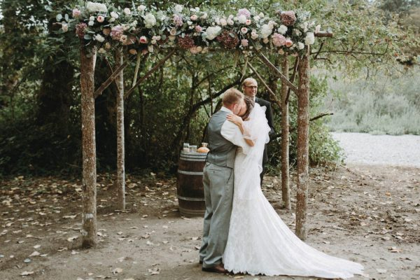travel-inspired-wedding-in-the-woods-of-north-bend-wa-anni-graham-photography-38
