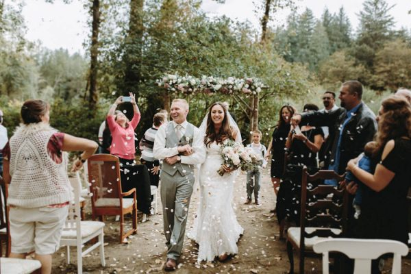 travel-inspired-wedding-in-the-woods-of-north-bend-wa-anni-graham-photography-39