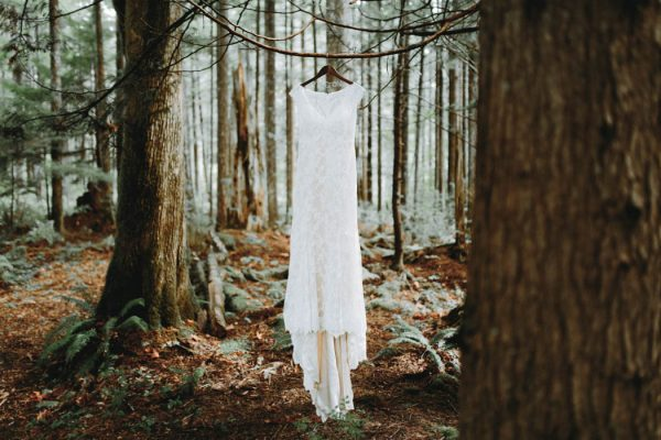 travel-inspired-wedding-in-the-woods-of-north-bend-wa-anni-graham-photography-40