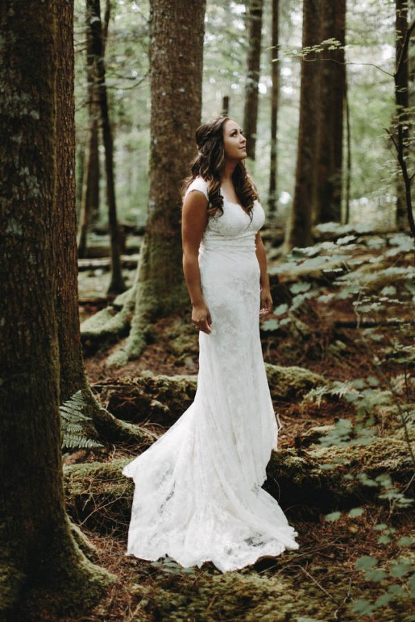 travel-inspired-wedding-in-the-woods-of-north-bend-wa-anni-graham-photography-60