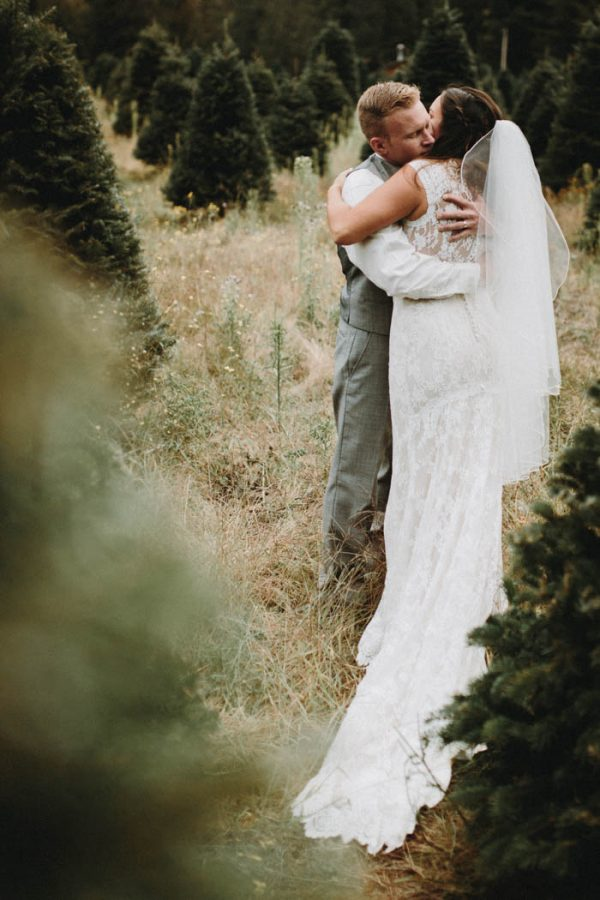 travel-inspired-wedding-in-the-woods-of-north-bend-wa-anni-graham-photography-74