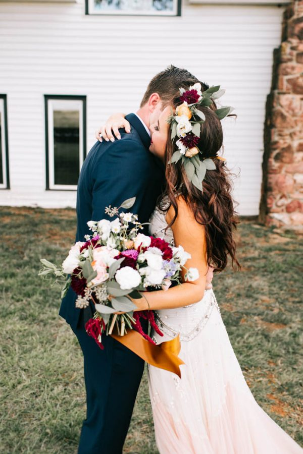 two-old-souls-tied-the-knot-in-a-vintage-wedding-at-the-barn-at-the-woods-sarah-libby-photography-14