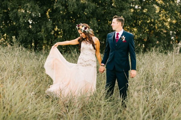 two-old-souls-tied-the-knot-in-a-vintage-wedding-at-the-barn-at-the-woods-sarah-libby-photography-24