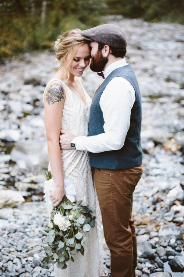 whimsical-and-heartfelt-wahclella-falls-elopement-abby-tohline-photography-co-14