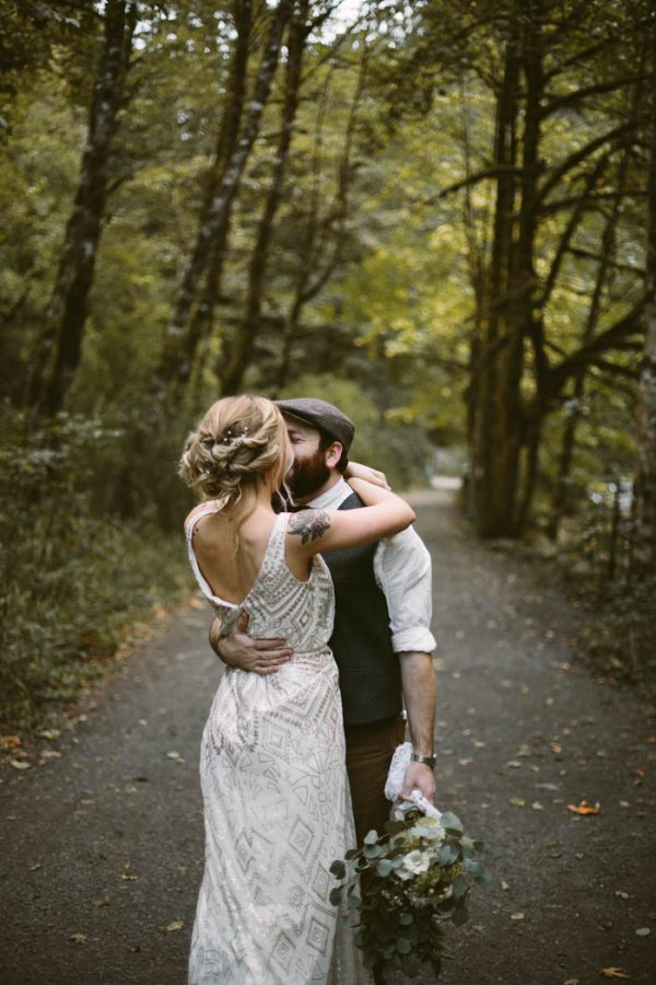whimsical-and-heartfelt-wahclella-falls-elopement-abby-tohline-photography-co-16