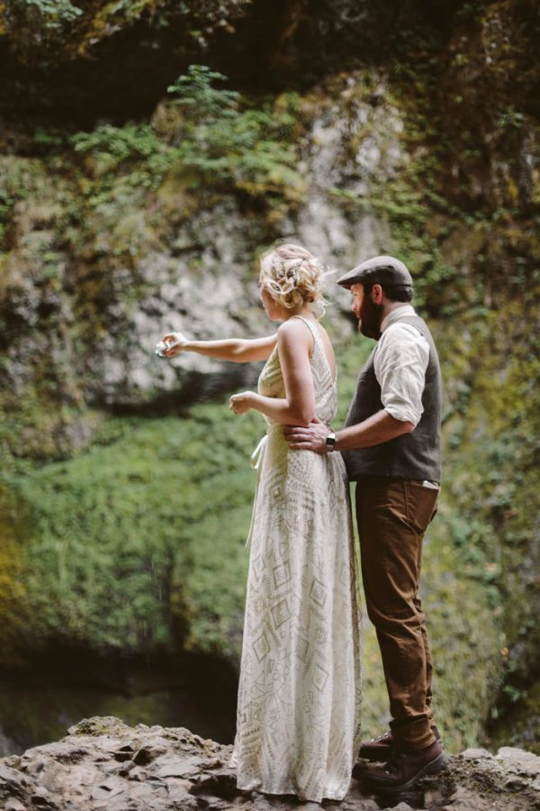 whimsical-and-heartfelt-wahclella-falls-elopement-abby-tohline-photography-co-18
