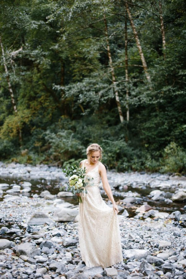 whimsical-and-heartfelt-wahclella-falls-elopement-abby-tohline-photography-co-2