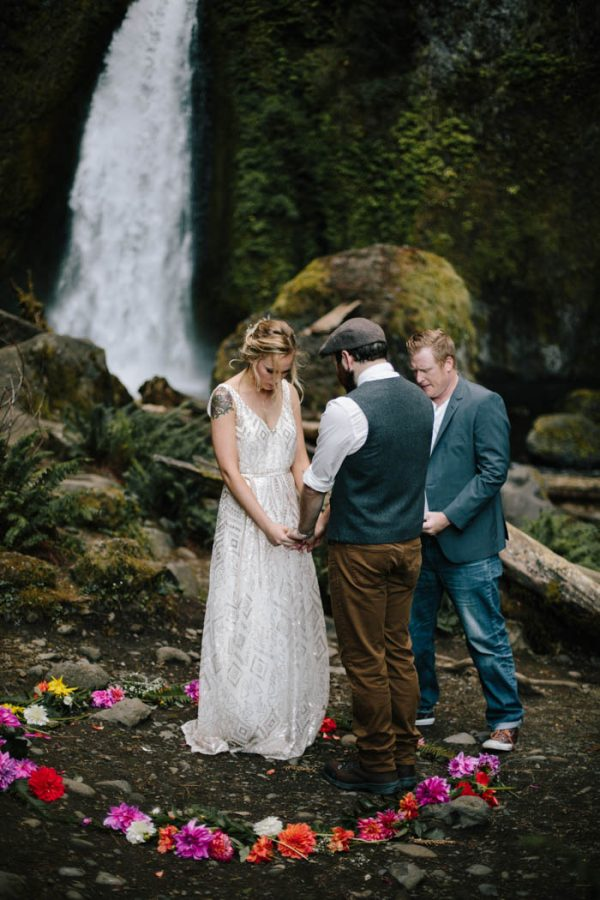 whimsical-and-heartfelt-wahclella-falls-elopement-abby-tohline-photography-co-22