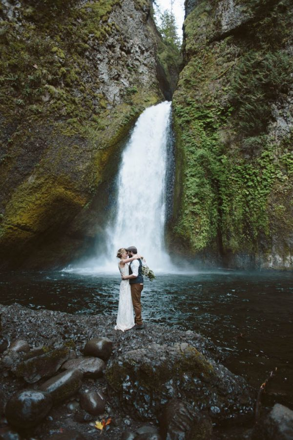 whimsical-and-heartfelt-wahclella-falls-elopement-abby-tohline-photography-co-34