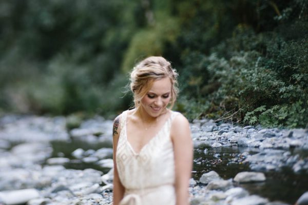 whimsical-and-heartfelt-wahclella-falls-elopement-abby-tohline-photography-co-4