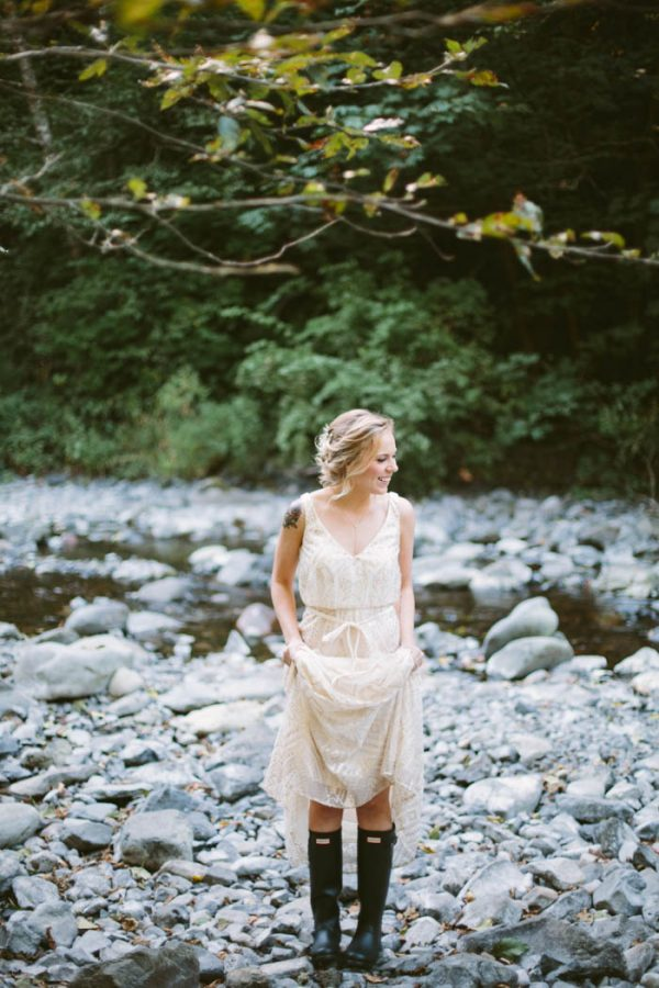 whimsical-and-heartfelt-wahclella-falls-elopement-abby-tohline-photography-co-6