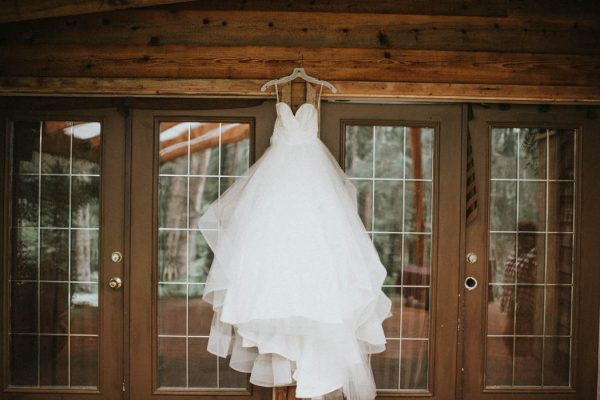 wintry-jewel-tone-arkansas-wedding-at-raven-glacier-lodge-marcie-and-shawn-photography-2
