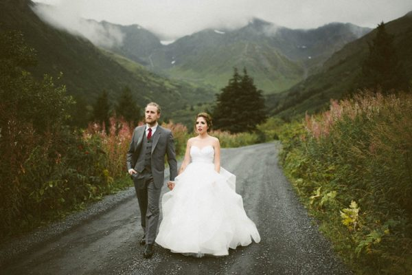 wintry-jewel-tone-arkansas-wedding-at-raven-glacier-lodge-marcie-and-shawn-photography-22