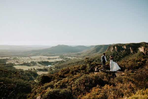 adventurous-engagement-photos-in-australias-blue-mountains-15