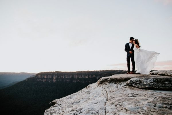adventurous-engagement-photos-in-australias-blue-mountains-26