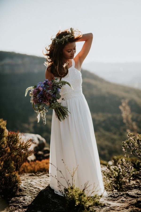 adventurous-engagement-photos-in-australias-blue-mountains-9