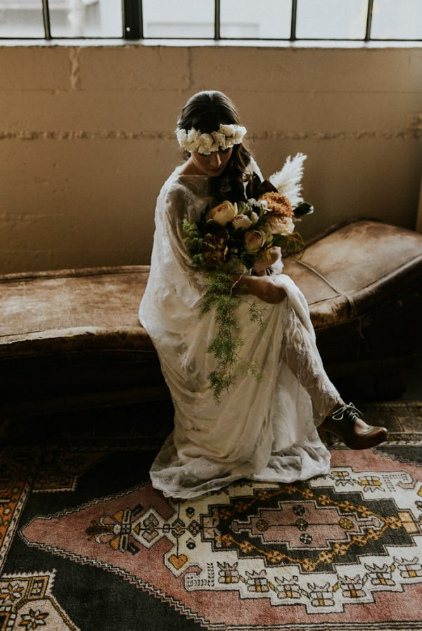 castaway-portland-wedding-inspiration-in-autumnal-neutral-tones-22