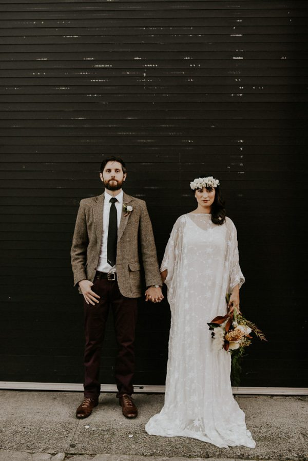 castaway-portland-wedding-inspiration-in-autumnal-neutral-tones-25