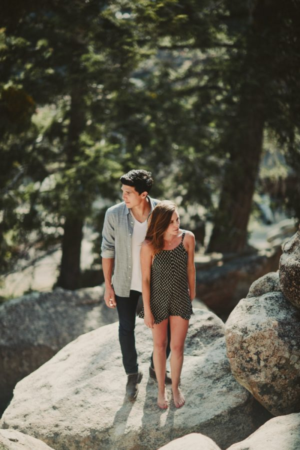 casually-cute-big-bear-lake-engagement-10