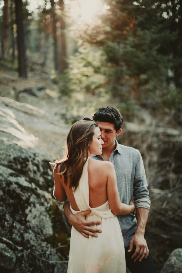 casually-cute-big-bear-lake-engagement-22
