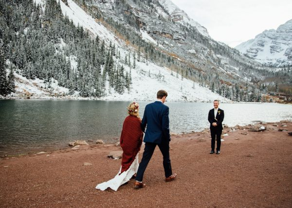 cozy-aspen-elopement-in-the-maroon-bells-13