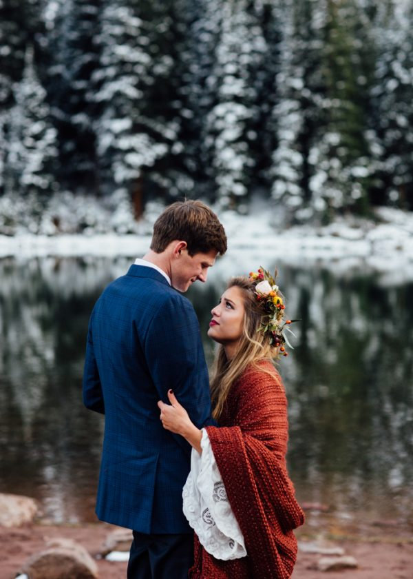 cozy-aspen-elopement-in-the-maroon-bells-19