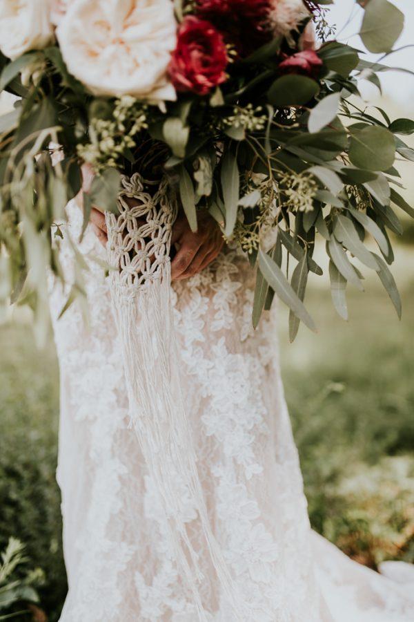 gorgeous-southern-marsala-wedding-at-grace-oaks-11