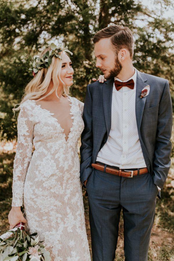 gorgeous-southern-marsala-wedding-at-grace-oaks-23